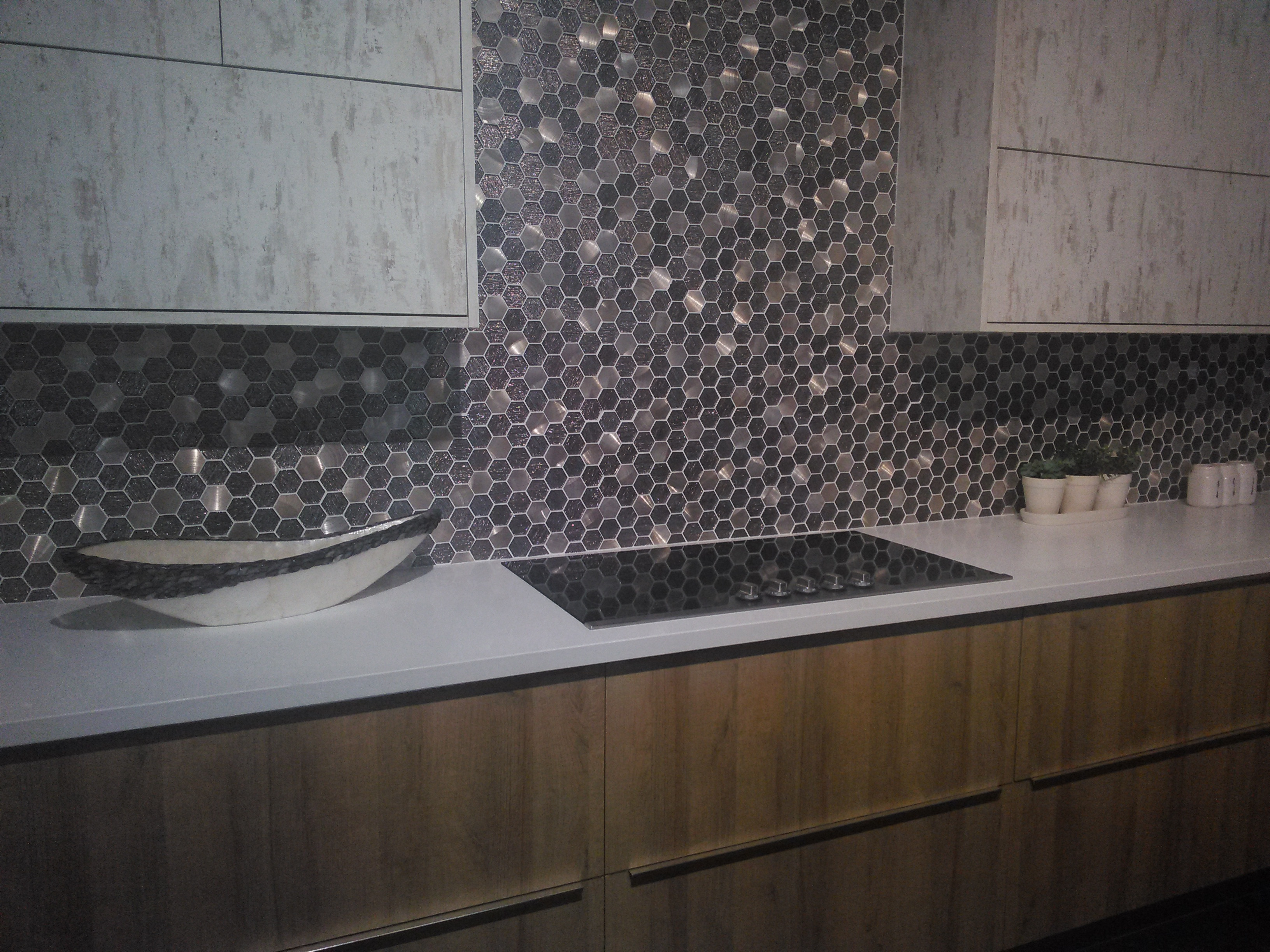 shiny-tile-kitchen-backsplash-european-cabinets