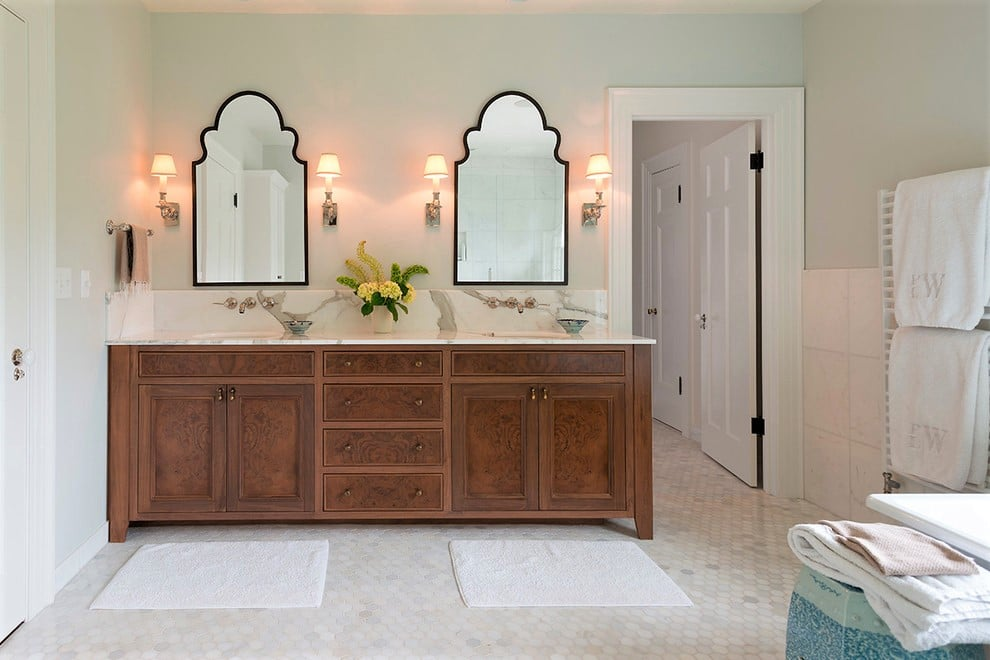 double-vanity-bathroom-sinks-with-mirrors-and-lighting-accessories