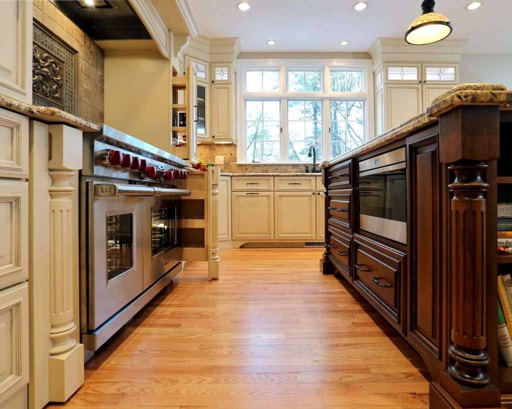 mix-of-styles-make-this-kitchen-unique.
