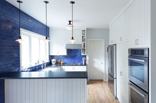 blue-subway-tile-kitchen-backsplash