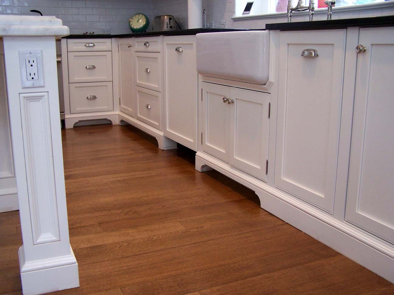 kitchen-sink-base-cabinets