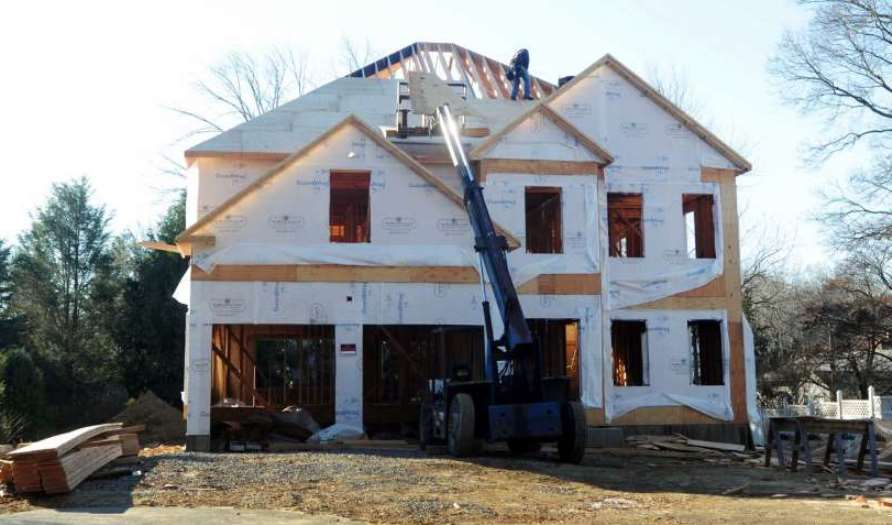 Constructing-building-new-home